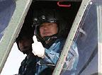 每架直升机只搭乘一名航天员