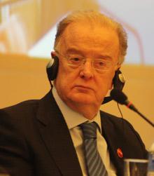 联合国秘书长防治结核病特使、葡萄牙共和国前总统若尔热·萨帕奥博士
