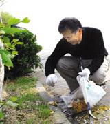 韩国老人捡垃圾